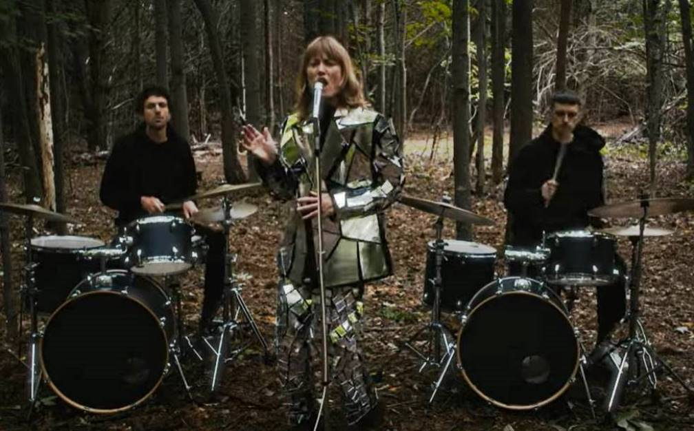 The Weather Station, Robber, clip